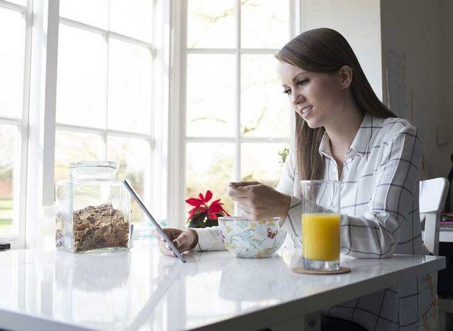 20 Piores hábitos pequeno-almoço para a sua cintura
