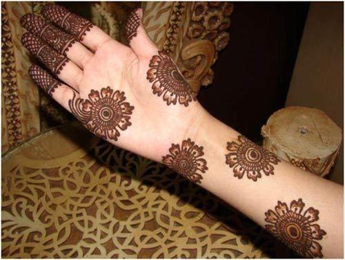 Melhor árabe Mehndi Designs para as mãos e os pés cheios 14
