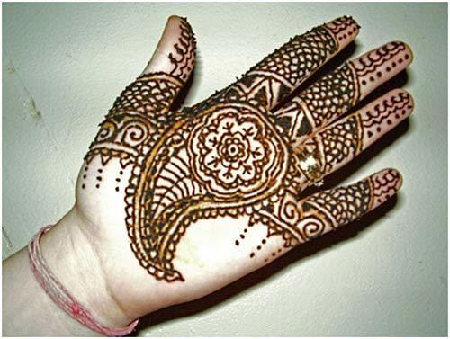 Melhor árabe Mehndi Designs para as mãos modernas 16