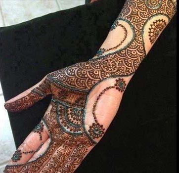 Melhor árabe Mehndi Designs para as mãos cheias 3