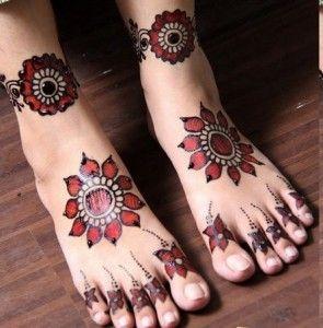 Melhor árabe Mehndi Designs para os pés 6