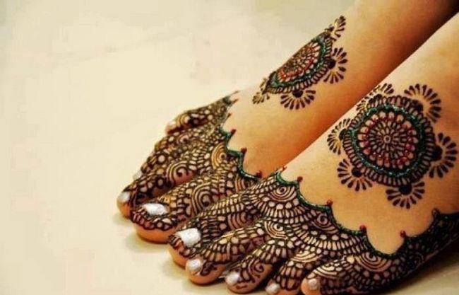 Melhor árabe Mehndi Designs para os pés 7 2014
