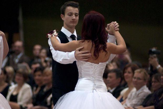 7 Maneiras impressionantes para pedir a alguém para o baile