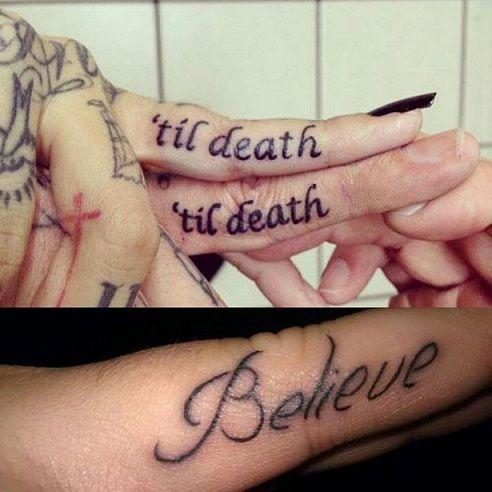 melhor design dedo tatuagem com citações significativas frases