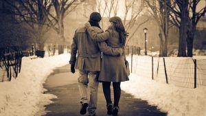Como adicionar o romance ao seu relacionamento: 10 passos que trabalham