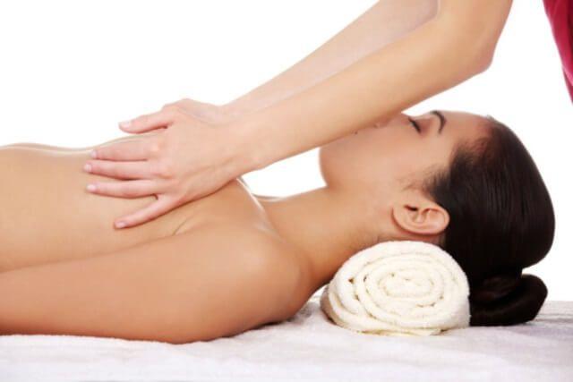 Como fazer massagem mama para o alargamento
