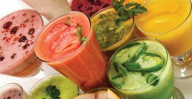 Suco acima de sua manhã com essas 5 receitas de sucos saudáveis