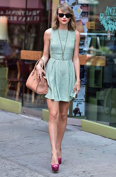 Taylor Swift`s Best Outfits & Fashion Choices