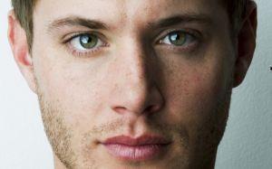 Top 7 traços definitivos de pessoas com olhos verdes